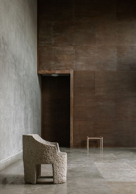 La Nouvelle Collection De Studio Mumbai Presentee A La Galerie Maniera Meubles Faits Main Architecte Interieur Mobilier De Salon