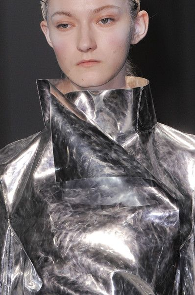 View all the detailed photos of the Gareth Pugh autumn (fall) / winter 2014 showing at Paris fashion week.