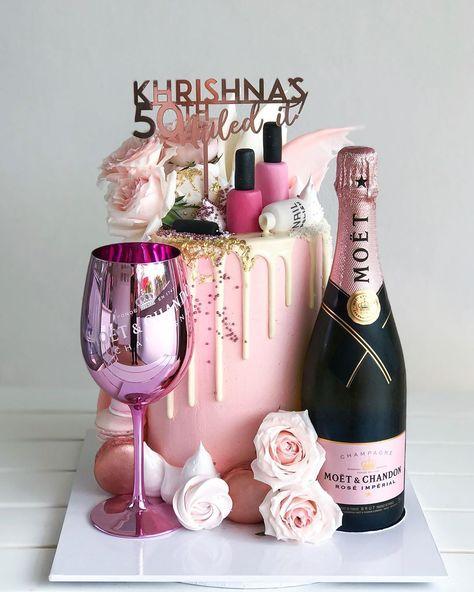 Birthday Cake For Women Simple, 30th Birthday Ideas For Women, Guys 21st Birthday, Birthday Cake Roses, 25th Birthday Cakes, Beautiful Birthday Cakes, Makeup Birthday Cakes, Birthday Gifts, Deserts
