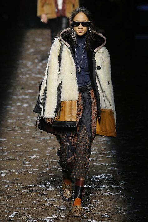Coach 1941 Fall 2018 Ready-to-Wear collection, runway looks, beauty, models, and reviews.