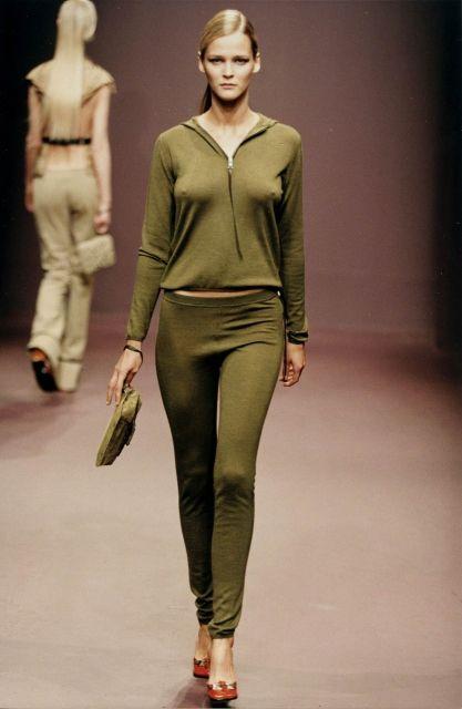 5ad100d9f8306 Womenswear Fall Winter 1999 - Fashion Show