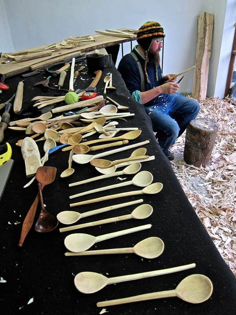 Barn the Spoon, wood carver UK