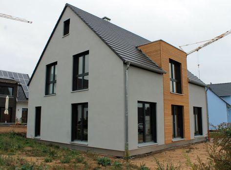 Einfamilienhaus Mit Nebengebaude In Cadolzburg Einfamilienhaus Gebaude Nebengebaude