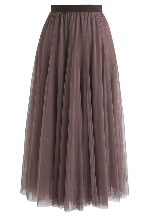 Every wardrobe needs a tulle skirt and this version gives off major city girl meets princess vibes thanks to its glitter detail. Also available in glitter pink, glitter black and solid army green.    - Mesh fabric finished  - Elastic waist  - Lined  - 100% Polyester  - Hand wash cold            Size  Length  Waist      S-M  cm  84  58-84      inch  33  23-33      L-XL  cm  85  62-88      inch  33.5  24.5-34.5