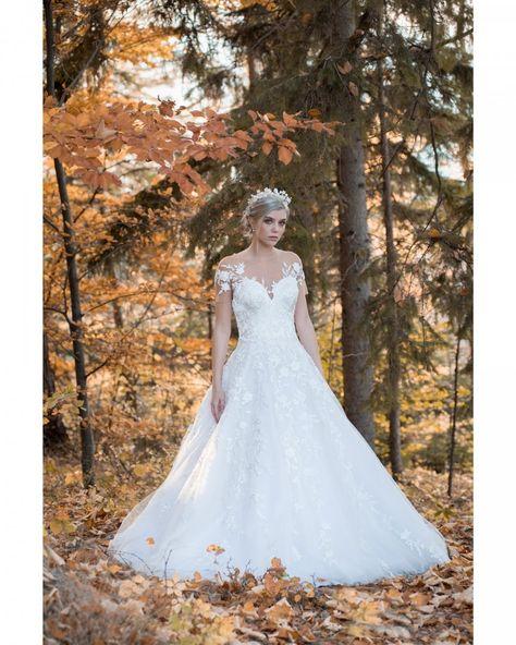 221263d5e6c0f O vestido  solainepiccoli emoldurado pelas folhas de outono são sugestões  lindas para o Grande Dia e para o álbum de fotos, não acham