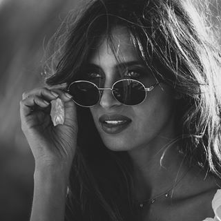 Sara Carbonero Saracarbonero Fotos Y Vídeos De Instagram Instagram Round Sunglasses Round Sunglass Women