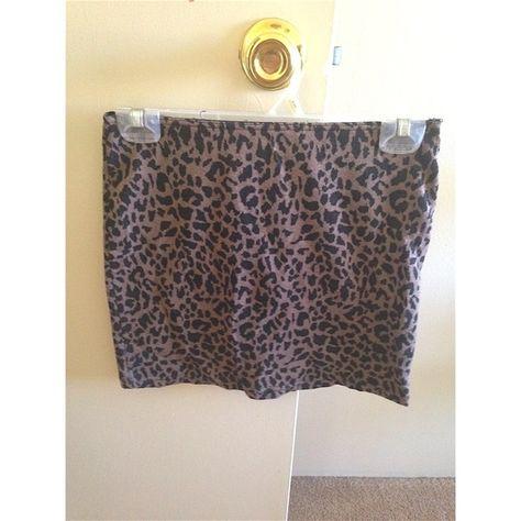 Small animal print forever 21 skirt Small animal print forever 21 skirt Forever 21 Skirts
