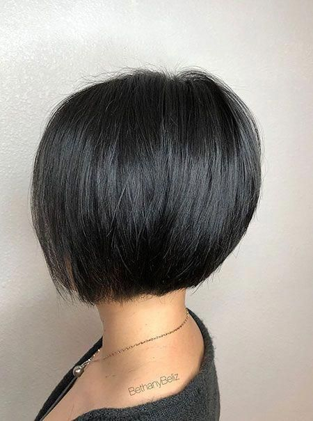 Bob Pixie Black Brunette Shortbobhairstyles In 2020 Stacked Bob