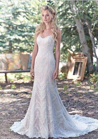 Maggie Sottero Ivory Over Soft Blush Lace Kirstie Feminine Wedding Dress Size 8 M 35 Off Retail Lace Sweetheart Wedding Dress Wedding Dresses Lace Wedding Dress Vintage