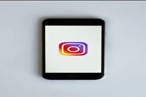 If you too are an entrepreneur or starting a new business of your own, Instagram can help you. You can generate leads and convert them into sales with some intelligent strategy #AnalyzeInstagrammetrics #GrowBusinessonInstagram #IGTV #Instagram