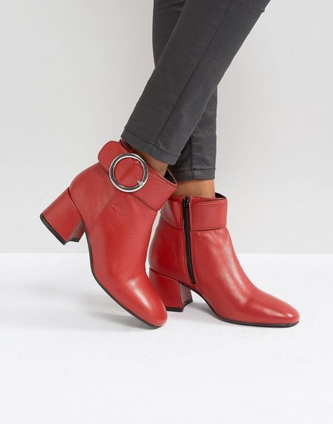 Get this Park Lane's cowboy boots now! Click for more