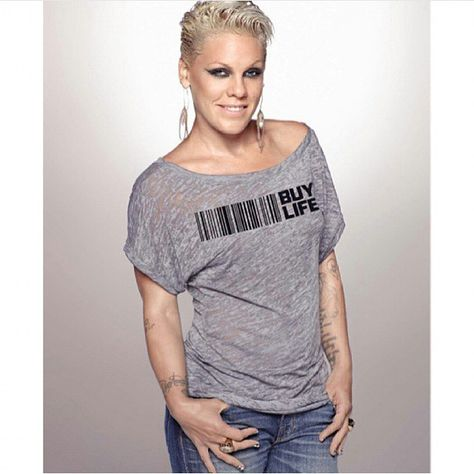 Pink is an Awesome Singer I love her Music!