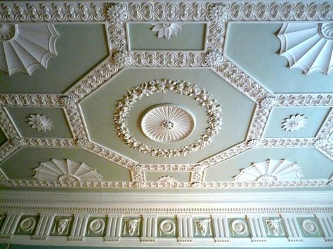 this ceiling is really pretty