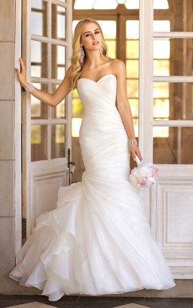 5835 Stella York Mermaid Fit And Flare Trumpet Ruching Strapless Sweetheart Organza Madeleines Daughter Bridal Inventory