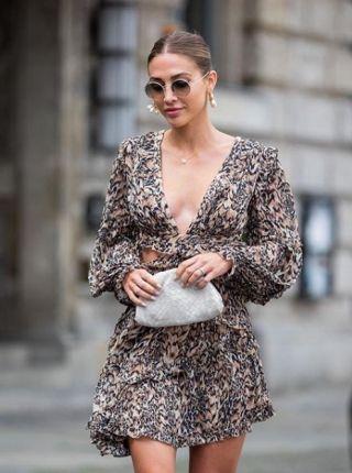 Yan Kesikli Elbise Modelleri 2020 Moda Stilleri Elbiseler Yazlik Giysiler