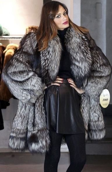 Women vest  fox fur and leather