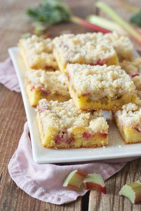 Rhabarberkuchen mit Streusel Rezept - Einfacher Rhabarberkuchen mit Streusel vom Blech. // rhubarb cake with crumbles - quick and easy to make // Sweets & Lifestyle®️️️ #rhabarberkuchen#streusel #rhabarber#kuchen#rezept#blechkuchen#rhubarb #rhubarbcake #coffeecake #recipe #sweetsandlifestyle