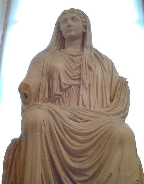 25f3679656 Livia Drusila - Paestum (M.A.N. Madrid) 03 - Abbigliamento nell'antica Roma  - Wikipedia