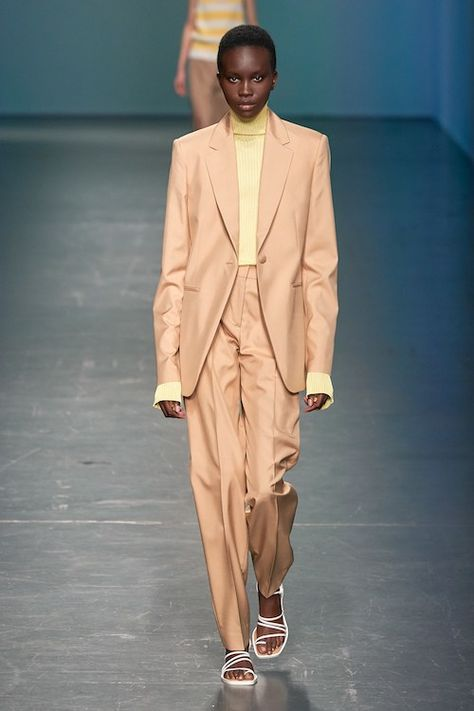Selection Show 2020.Boss Spring 2020 Ready To Wear Almaze Modest Fashion