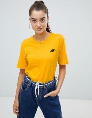 tee shirt nike jaune