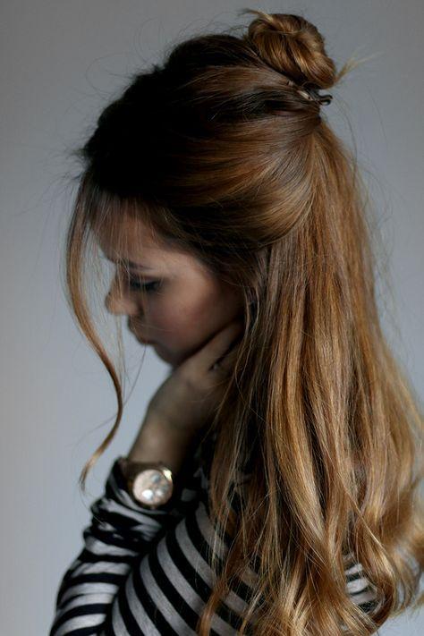 The Easy Half Up Hairdo Mittellange Haare Frisuren Einfach Dutt Frisur Und Frisuren Lange Haare Offen