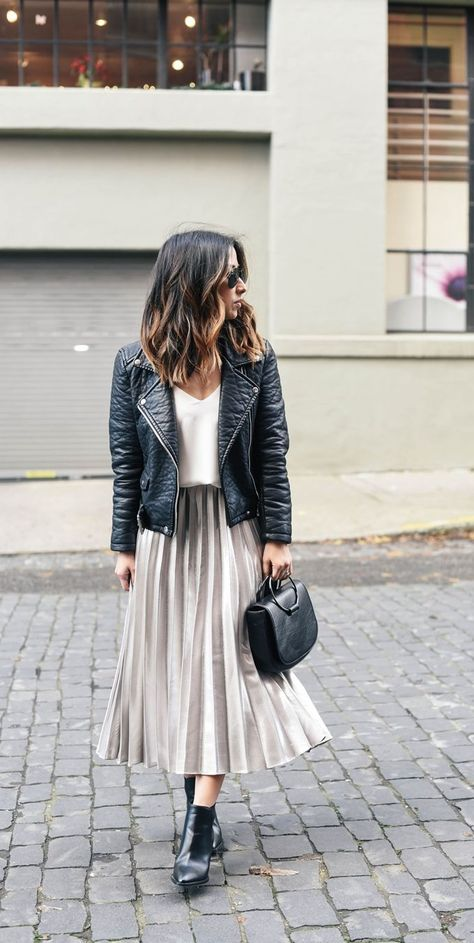 Pleated Midi Skirt ||| Work Outfits for women ||| Casual Work Outfits || 40 Fashionable Work Outfits For Women In 2018
