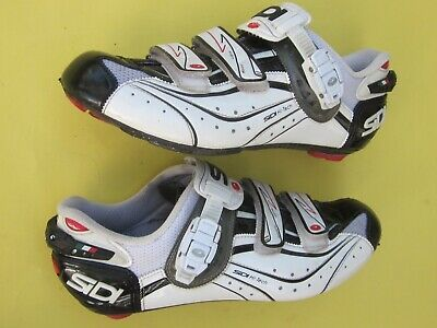 Sidi Ergo 4 Carbon Composite Road Shoes 44 White Be Sure To Check Out This Awesome Product This Is An A Road Cycling Shoes Cycling Shoes Men Cycling Shoes