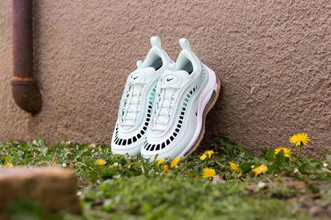 AO2326 300 Nike Air Max 97 Ultra Womens New Shoes Barely