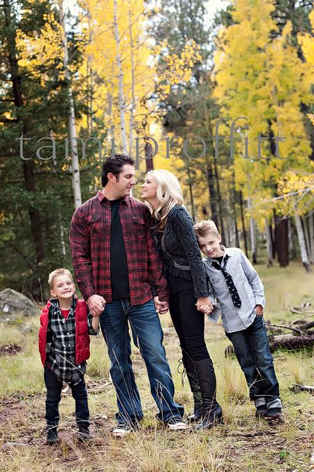 Family Of 4 Cute Fall Family Pictures Family Picture