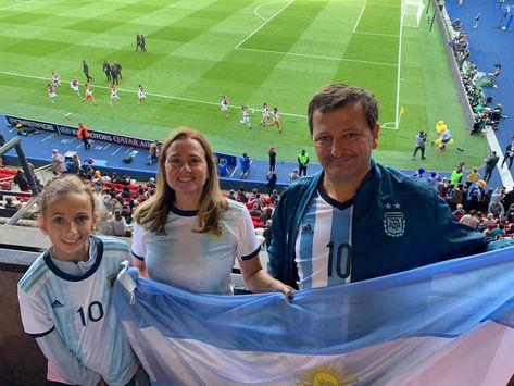 #TOCAmundial ⚽ 🏆 TOCA spirit around the #FIFAWWC #ARGJPN #VamosArgentina #VamosLasPibas   🔵🔴 #WeAreToca #TOCA #tocajuniors #PLAYsimple #soccer #Futbol #Football #youthsoccer #Potomac #CopaMundial #CopaDelMundo #WorldCup #womensworldcup #Francia2019 #France2019 #DareToShine