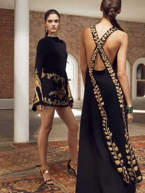 Pre-Fall19 RTW: Oscar de la Renta's Voyage to India and Morocco   The Luxe Lookbook   Black and gold dresses   #ODLR #fashionweek #designerfashion #cuteoutfits #dresses #gowns