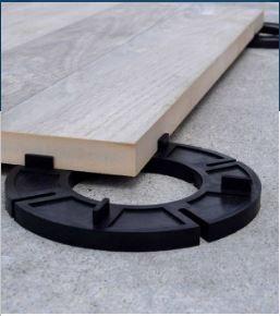 2cm Porcelain Pavers On Our Rubber Spacers Concrete Diy Diy Deck Deck Over Concrete