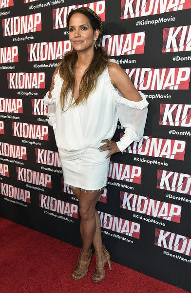 Halle Berry attends the red carpet movie KIDNAP on July 24, 2017 in Miami, Florida.