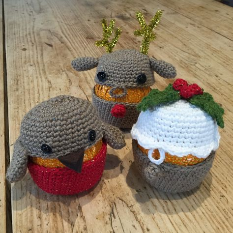 Ready for some more festive fun with Kate Eastwood?  This week, little cosy covers for those Terry's Chocolate Oranges that we love to pop in a Christmas s