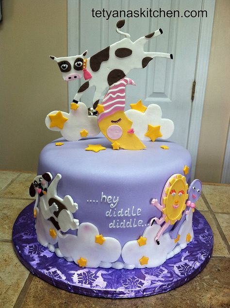 ...hey diddle diddle.... Nursery rhyme Baby shower cake