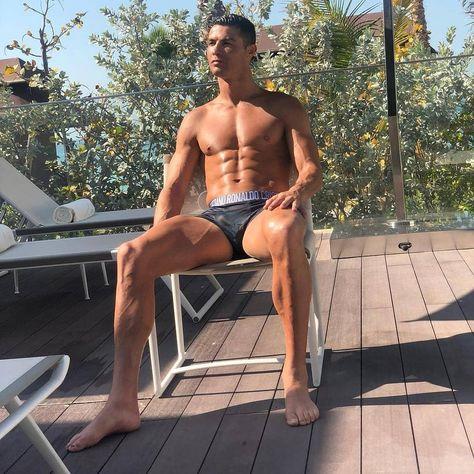 "Cristiano Ronaldo's 437K fans on Instagram: ""CR7 ❤ ------------------------------------------------------------------------------------------------- 👉 LIKE ❤ 👉 COMMENT 💭 👉 SHARE 🔃 👉…"""