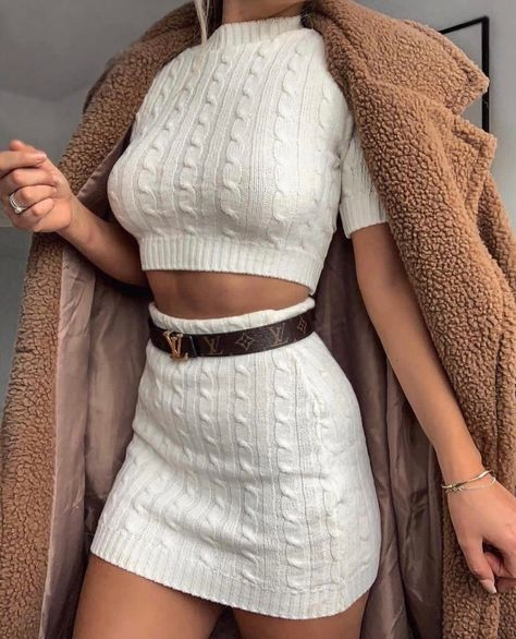35 Top Outfit Ideas