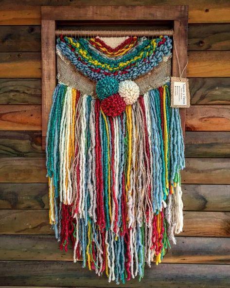 AUF BESTELLUNG GEFERTIGT. Handgemachte gewebte Wand hängen. Hergestellt in Chile mit natürlicher Wolle, Holz und Treibholz aus Lago Puyehue. Maße 17 x 31, 4 Zoll. Es dauert 3 Wochen zu tun und drei Wochen die Lieferung.