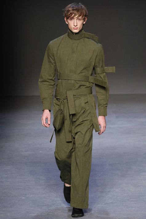 http://www.vogue.com/fashion-shows/fall-2016-menswear/craig-green/slideshow/collection