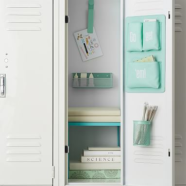 Organize your locker make it unique with Pottery Barn Teen's locker decorations. Find locker shelves and locker accessories to give your locker a boost of personality and style. Cute Locker Decorations, Cute Locker Ideas, Girls Locker Ideas, Middle School Lockers, Middle School Supplies, Decorated School Lockers, School Locker Organization, Diy Organization, Locker Supplies