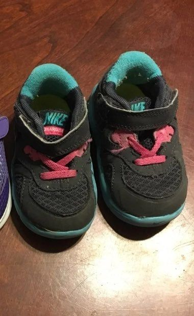Nike baby girls shoes size 4c. Pre