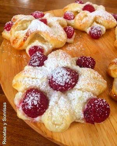 Pastelitos De Hojaldre Queso Crema Y Frambuesas Food Food To Make Desserts