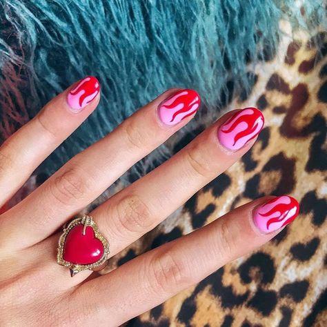 "𝗟𝗔𝗨𝗥𝗜𝗘 𝗟𝗘𝗘 | 𝗙𝗔𝗦𝗛𝗜𝗢𝗡 + 𝗔𝗥𝗧 on Instagram: ""❤️Pink & red & flames 4 eva 💕 🔥Nail art by @nancylovesnails 🔥 @tasminewilliams"" Subtle Nail Art, Funky Nail Art, Red Nail Art, Funky Nails, Chic Nail Art, Short Red Nails, Short Nails Art, Minion Nails, Owl Nails"