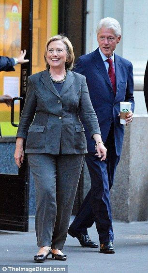 Hillary Clinton wears oink multistrand statement necklace over
