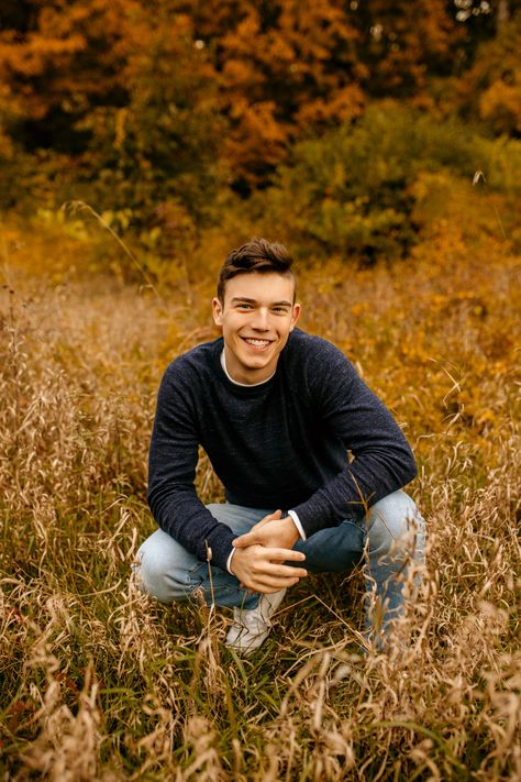 Michigan photographer specializing in couples and high school seniors. Senior Picture Poses, Boy Senior Portraits, Senior Photo Outfits, Senior Boy Poses, Senior Guys, Senior Session, Male Portraits, Outdoor Senior Pictures, Senior Year Pictures