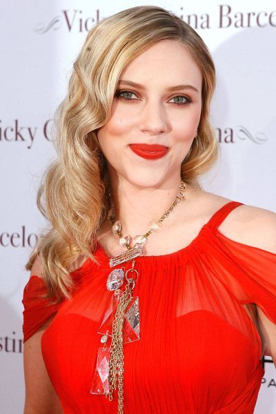 Scarlett Johansson Net Worth Scarlett Johansson Scarlett Johanson