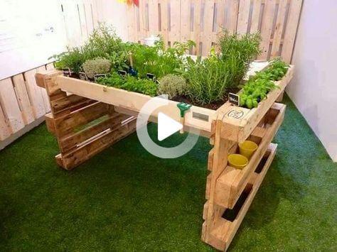 Diy Ein Hochbeet Aus Europaletten Hochbeet Aus Paletten Selber Bauen Bepflanzen Anleitung Bauanleitung Garten Anlegen