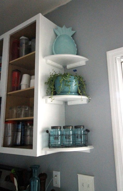 Want to add open shelving to your kitchen? Here is a great way to get the open shelving look while still maintining upper cabinets for practical storage! kitchen decor Easy Open Shelving in the Kitchen Home Renovation, Home Remodeling, Kitchen Remodeling, Condo Kitchen Remodel, Cocina Diy, Diy Casa, Upper Cabinets, Open Cabinets In Kitchen, Soapstone Kitchen
