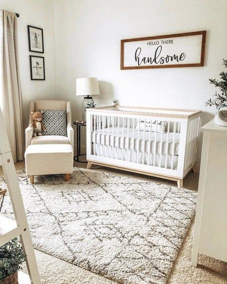 The Babyletto Scoot Convertible Crib with toddler bed conversion kit is perfect for a mid-century modern nursery. Shop baby cribs at Project Nursery! Baby Nursery Decor, Project Nursery, Baby Decor, Simple Baby Nursery, Nursery Crib, Baby Nursery Ideas For Boy, Nursery Room Ideas, Cheap Nursery Ideas, Vintage Nursery Boy