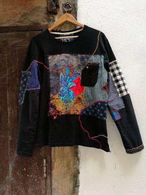 Patchwork T-shirt, boro t-shirt with sashiko stitching, wearable art, mom's vintage fabrics, eco clo Eco Clothing, Unique Clothing, Upcycled Clothing, Diy Fashion, Fashion Design, Origami Fashion, Boro, Diy Clothes, Remake Clothes